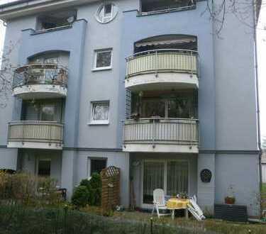 Schöne 1-Raumwohnung mit Balkon und EBK am Park!