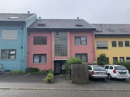 Gemütliche 2-Zimmer-Wohnung mit Balkon in Tübingen (Weststadt)