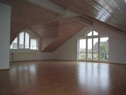 Dachatelier in Toplage Dreieich-Götzenhain! Ideal für Alleinstehende!