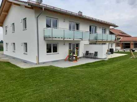 Neuwertige Wohnung mit Einbauküche und Terrasse, schöne 3-Zimmer-Wohnung in Kirchberg