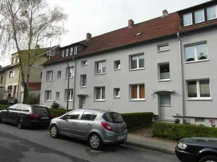 BO-Höntrop! Pfiffig aufgeteilte 3,5 Raum-Wohnung mit Balkon & eigenem Garten!