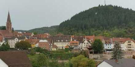 Blick auf die Altstadt - Gepflegte 3,5-Zimmer-Maisonette-Wohnung mit Balkon in Neckargemünd