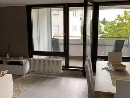 Exklusive 2,5-Zimmer-Wohnung mit Einbauküche 2 Balkone und TG
