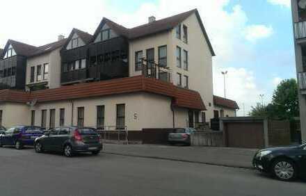 großzügige 2-Zimmer-Wohnung mit Dachterrasse nach Süden in Augsburg/Oberhausen