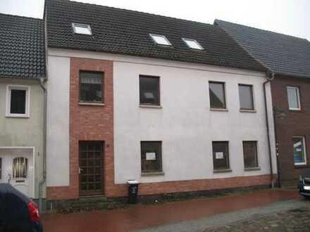 Sanierungsbedürftiges Stadthaus in Bad Sülze zum Verkauf