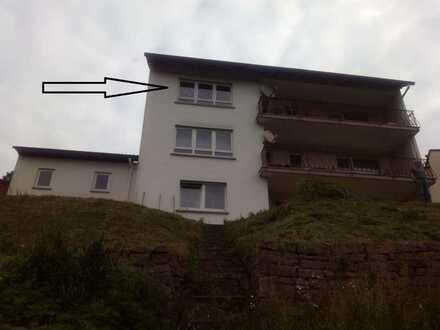 Geräumige 3-Zimmer-Wohnung mit 104 qm in Rieneck, 1. OG