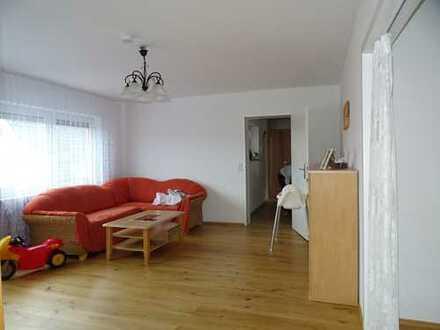 Hübsche 4 Zimmer Wohnung mit Einbauküche und kleinem Balkon in Hailer