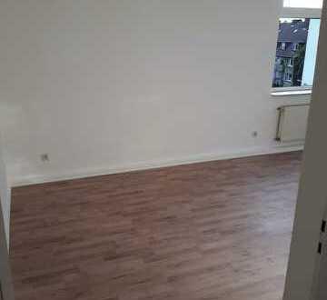 Renovierte Wohnung mit großer Wohnküche
