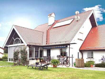 Einfamilienhaus mit ELW, Ortsrandlage, hochwertig und elegant