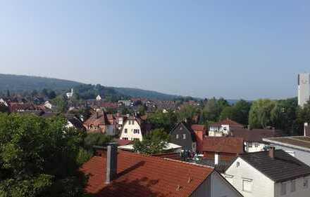 Stilvolle, gepflegte 5,5-Zimmer-Maisonette-Wohnung mit Balkon und Einbauküche in Schorndorf