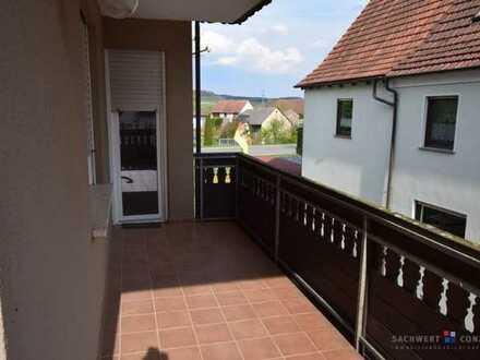Schöne 4,5 Zimmer Wohnung mit großem Balkon in Roßstadt (Eltmann)