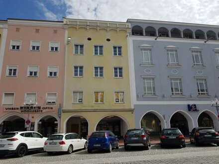 mittige Bestlage am Stadtplatz von Mühldorf mit Arkaden - moderne Bürofläche ca. 515m²