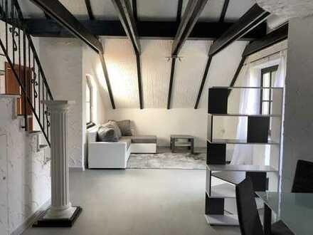 Gemütliche 2-Zimmer-Wohnung (Maisonette) mit viel Charme, Dachterrasse und Küche in ruhiger Wohnlage