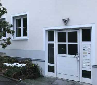 Schöne 2-Zimmer-Wohnung mit Balkon und Einbauküche in Passau