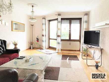 Attraktive 3 Zimmer Erdgeschosswohnung mit Terrasse, Einbauküche und Tiefgaragenstellplatz