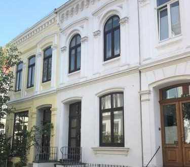 Einmalige Gelegenheit - eines der letzten Altbremer Häuser im Ostertor-Viertel - provisionsfrei!