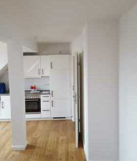 Nachmieter für attraktive 3-Zimmer-DG-Wohnung mit Balkon und EBK im Zentrum Neuruppins gesucht
