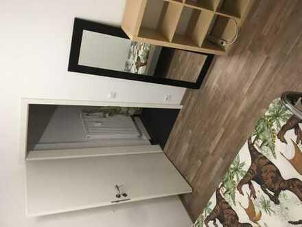 1 Zimmer in 3 Zimmer Wohnung sucht ein neuer Bewohner/in