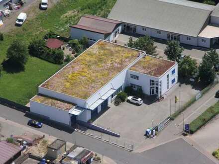 Universell nutzbare Halle mit Büro-/Wohnhaus u. Erweiterungsmöglichkeit in Gewerbepark von Wöllstein