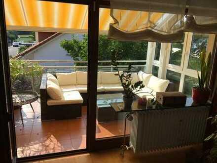 Riesige 5-Zimmer-Wohnung mit großem Balkon und Garten