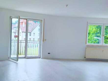 Ersteinzug nach Renovierung! 1-Zimmer-Wohnung mit Balkon in Schramberg