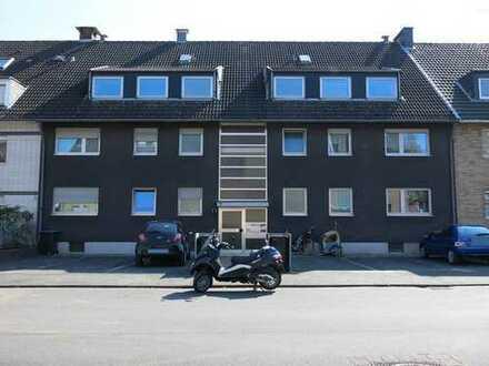 Köln-Stammheim, 3 Zimmer Wohnung, Tageslichtbad