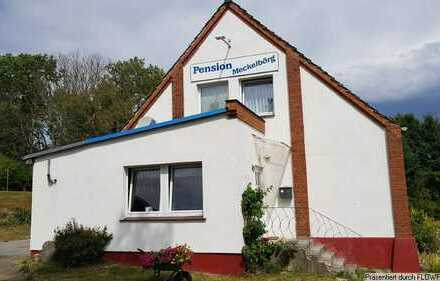 Wohn/- und Geschäftshaus oder Pension in Dorf Mecklenburg