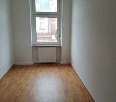 helle, gemütliche 2 Raum-Wohnung