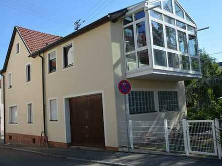 Zweifamilienhaus, ausgebautes DG, Einzelgarage