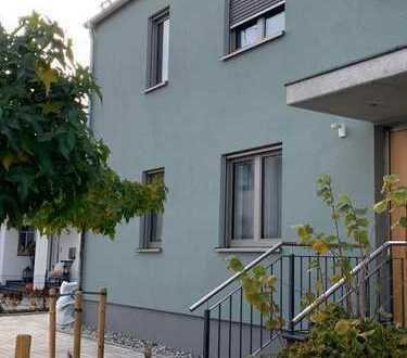Schöne moderne 3-Zimmer-Wohnung mit Einbauküche und Balkon in Hösbach