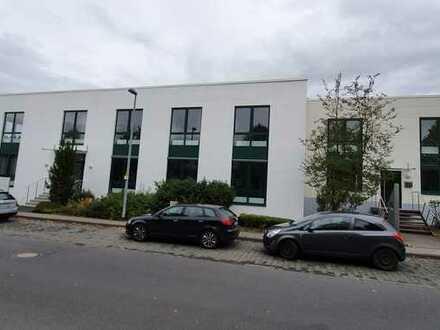 Moderne Büroetage in Königswinter zu vermieten.