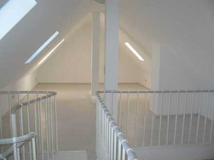 First occupancy after renovation!! Exclusive 4-bedroom near Clay Kaserne