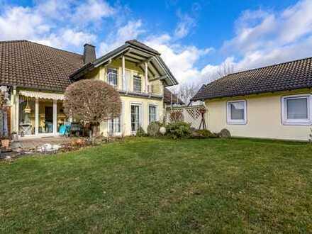 Herrliches Einfamilienhaus in gehobener Ausstattung mitten im Grünen - zum Kauf