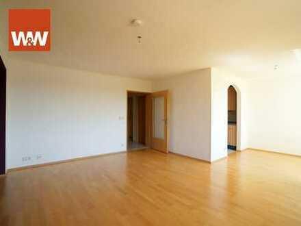 Großzügige, familienfreundliche 4 Zimmer-Wohnung mit sonnigem Balkon und TG-Stellplatz -SOFORT FREI