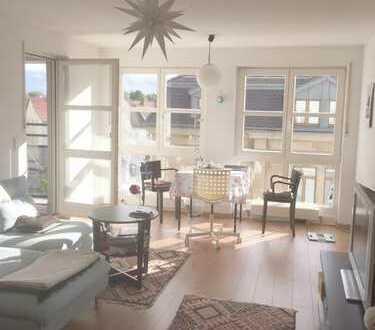 Sonnige 2 Zimmer Wohnung mit Balkon,kurzfristig beziehbar.