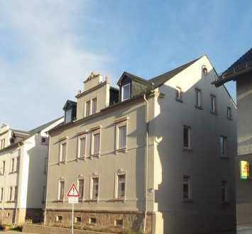 Preiswerte, voll renovierte 5-Zimmer-Wohnung mit sonnigem Balkon in Niederwiesa