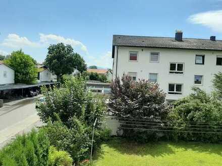 Gut geschnittene, vollständig renovierte 4,5-Zimmer-Wohnung mit Balkon in Rosenheim