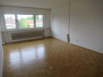 Erstbezug nach Umbau: schöne helle 2 Zimmerwohnung mit Wohnküche, Tageslichtbad und franz. Balkon