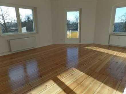 Bild_* Top-Lage mit Seeblick * Tolle Wohnung im grundsanier- ten bürgerlichen Altbau mit 2 Balkonen!
