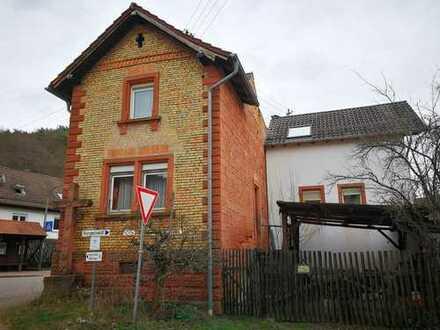 Sandsteinhaus mit fünf Zimmern in Südliche Weinstraße (Kreis), Waldrohrbach