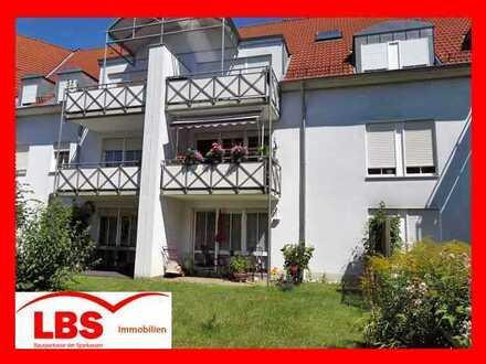 """""""ZENTRAL UND MODERN LEBEN"""" - Sehr schöne 3-Zi-EG-Wohnung mit Gartenanteil und Stellplatz in Amberg"""