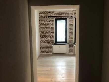 Außergewöhnlich renovierte 3 Zimmer Wohnung mit Einbauküche im Do - Saarlandstraßenviertel