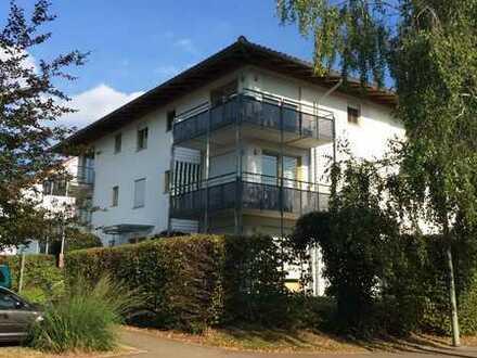 2-Zimmer-Wohnung mit großem Balkon und Einbauküche
