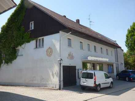 Wohnhaus mit Laden in Tettenweis