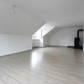 4 Zimmer DG Wohnung mit Gartenanteil in München-Aubing
