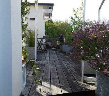 Luxuriöse, neuwertige 3-Zimmer-Penthouse-Wohnung mit großem Balkon und EBK in Olching Esting