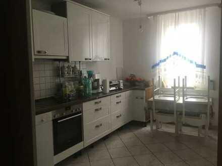 Freundliche, sanierte 4-Zimmer-Wohnung (1.OG) in Seligenstadt