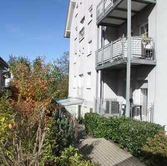 Große, gemütliche 2,5-Zimmerwohnung mit Terrasse und TG-Stellplatz zum Eigenbezug