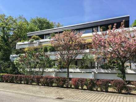 Gehoben und hell +++ Gepflegte 4-Zi.-Whg. mit großem Süd-Balkon in bester Lage von München-Solln