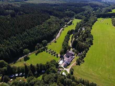 Campingplatz mit Gaststätte und Pension in idyllischer Lage am Nationalpark Hunsrück-Hochwald